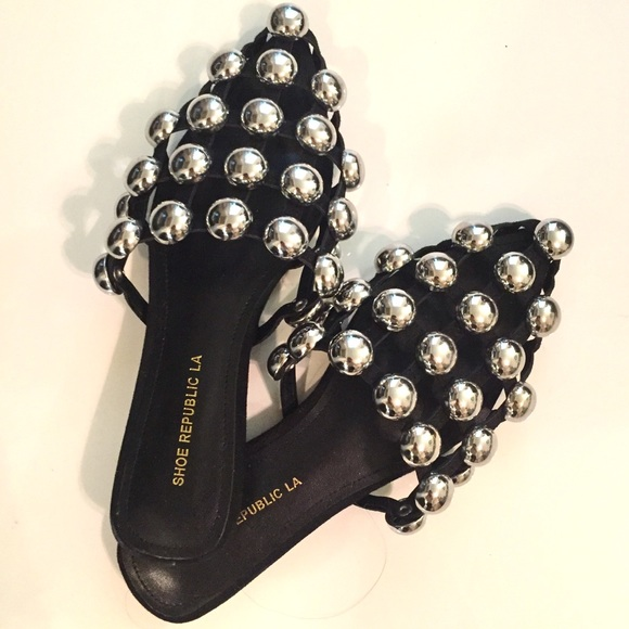 3e25d6721f73b Edgy Silver Studded Caged Slide Sandals. M 5ae891f89a945551ded92d8e